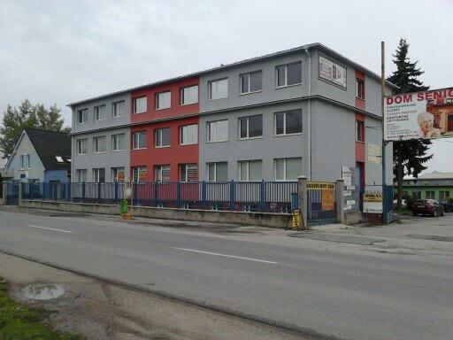 Kancelárie na frekventovanej Trstínskej ceste