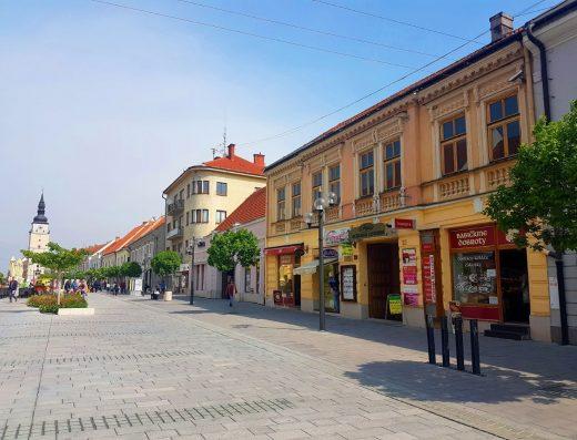 Kancelársky komplex na pešej zóne v centre mesta