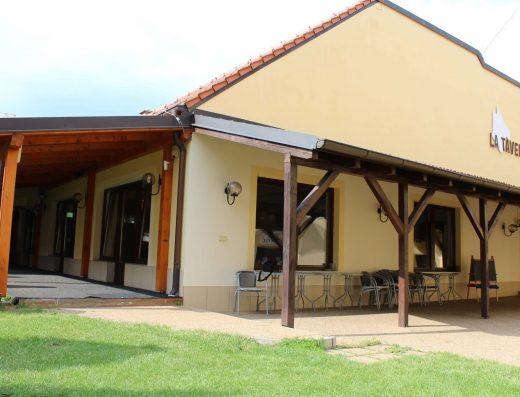 Obchodný priestor v centre Trnavy s teraskou a detským ihriskom